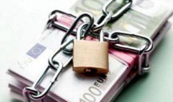 Sechestrul se va aplica și asupra banilor transferați ulterior în cont. Modificarea a fost publicată în Monitorul Oficial