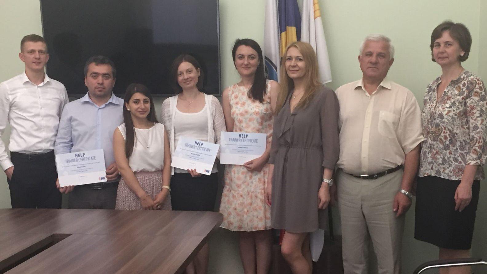 Trei avocați au devenit formatori certificați în cadrul Programului HELP